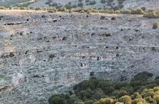 W Turcji odkryto 400 starożytnych grobowców wykutych w skale