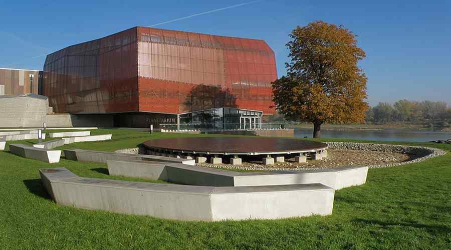 Budynek Centrum Nauki Kopernik w Warszawie