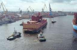 Rosyjska pływająca elektrownia atomowa Akademik Łomonosow