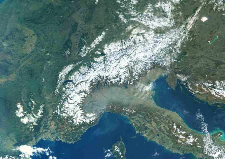 Zdjęcie satelitarne Alp