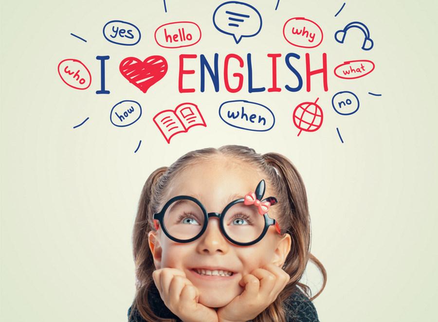 Angielski dla 4-latka – czy warto zaczynać naukę języków tak wcześnie?