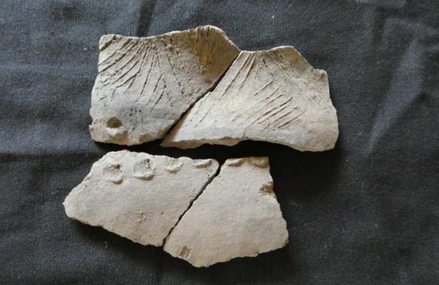 Fragmenty ceramiki  nieznanej, starożytnej kultury