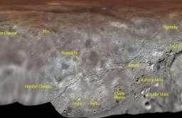 Nadano oficjalne nazwy struktur na powierzchni Charona