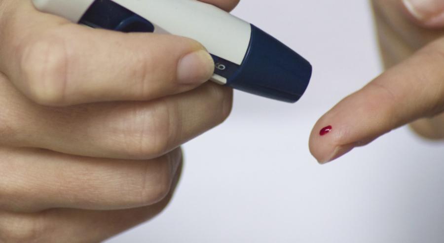 """Cukrzyca bez igieł? """"Alkomat"""" dla diabetyków w fazie badań klinicznych"""