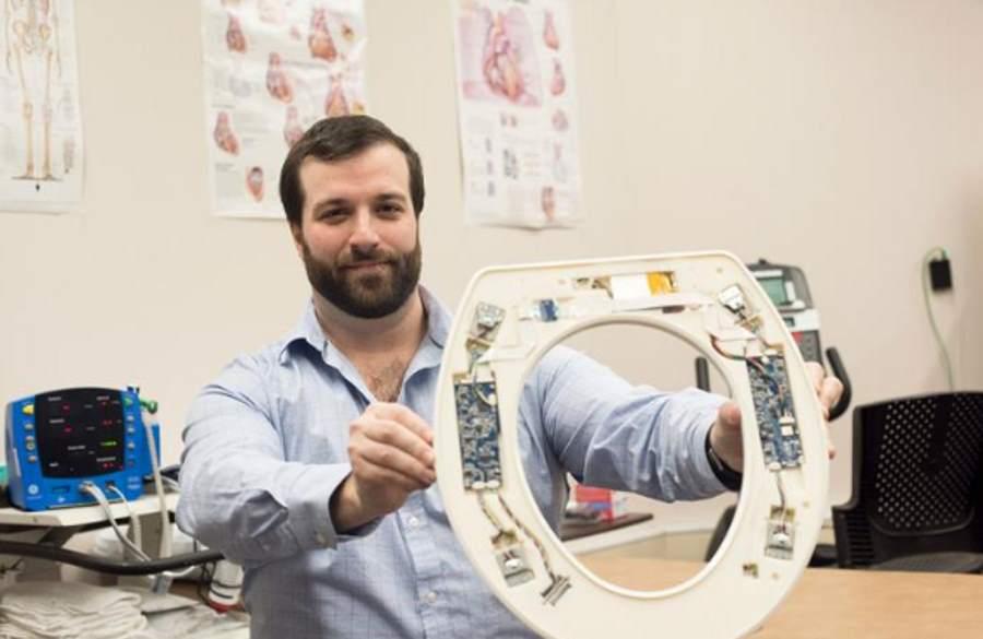 Deski sedesowa monitorująca stan osób z niewydolnością serca