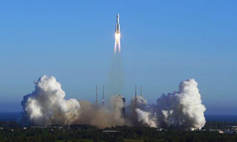 Chiny utraciły kontrolę nad 30-metrowym fragmentem rakiety