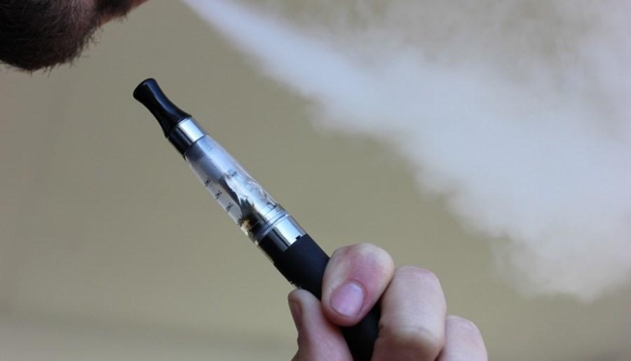 Palenie e-papierosów uszkadza naczynia krwionośne