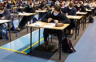 Samorządy mogą pomagać uczniom przygotowującym się do egzaminów maturalnych i ósmoklasisty