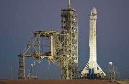 Rakieta Falcon 9 przed startem
