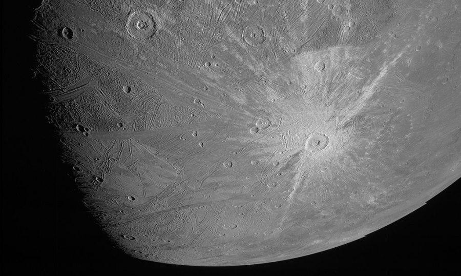 Sonda Juno wykonała pierwsze od ponad 20 lat zdjęcia Ganimedesa z bliska