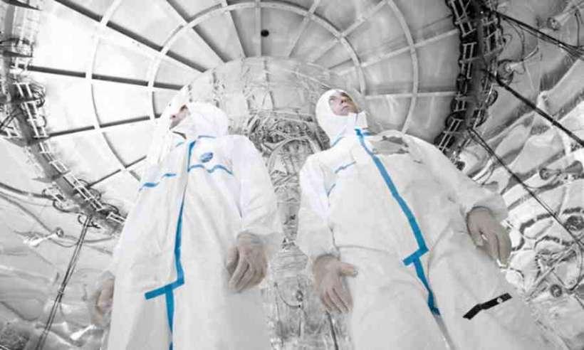 W oczekiwaniu na nową cząstkę: neutrino Majorany