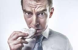 Nie podejmuj ważnych decyzji na pusty żołądek - radzą naukowcy