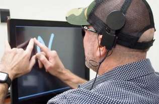 """Nowa technologia, która pozwala niewidomym """"widzieć"""" bez użycia oczu"""