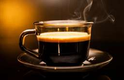 Kiedy najlepiej pić kawę? Badania sugerują, że dopiero po śniadaniu