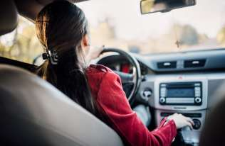 Ekspertka: kobiety mają większe predyspozycje, by być lepszymi kierowcami