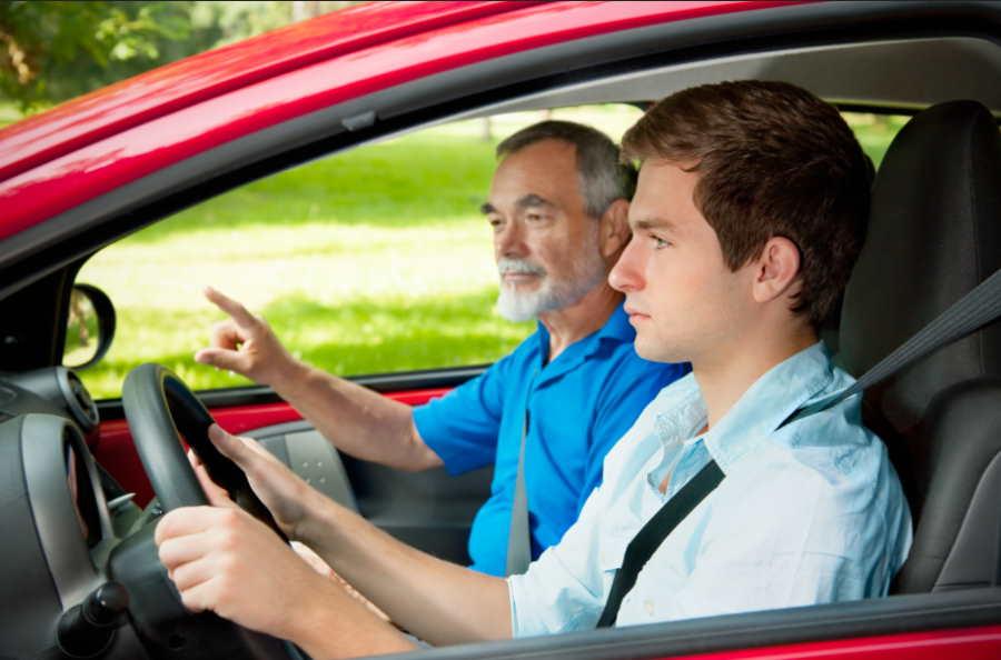 Egzamin na prawo jazdy – jak pokonać stres?