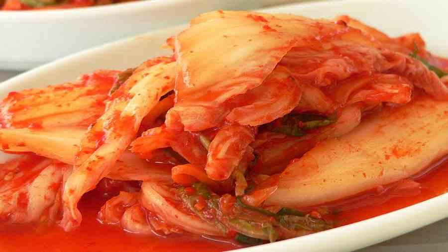 Tradycyjne danie kuchni koreańskiej Kimchi. Jego składniki to głównie fermentowane lub kiszone warzywa