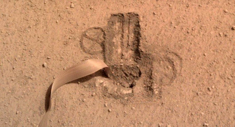 Kret w końcu w całości pod powierzchnią Marsa