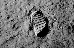 Odcisk buta Buzza Aldrina na Księżycu