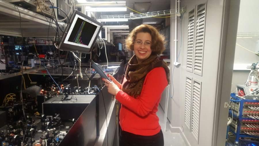 Nowa metoda sterowania cząstkami światła opracowana przez Polaków