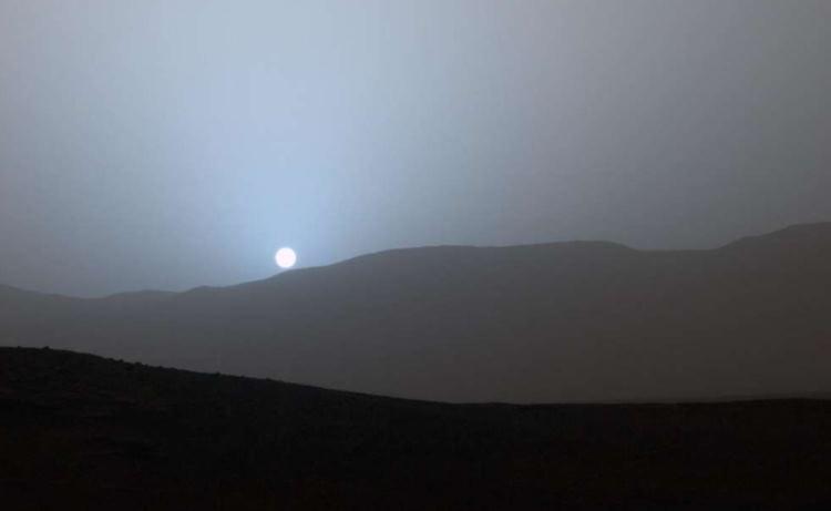 Zachód słońca na Marsie
