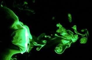 Czy maseczki ochronne powstrzymują roznoszenie wirusów? Naukowcy sprawdzili ich skuteczność