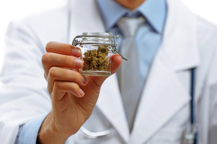 Czy medyczna marihuana jest legalna i bezpieczna?