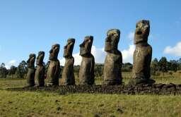 Posągi Moai
