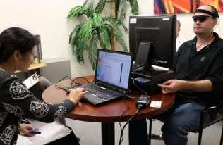 Implant, który przywraca niewidomym zdolność widzenia