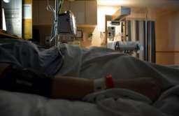 COVID-19 wśród osób hospitalizowanych jest co najmniej 5 razy bardziej śmiertelny od grypy