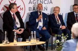 Prof. dr hab. n. med. Piotr Czauderna Prezesem Agencji Badań Medycznych