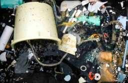 Odpadki wydobyte z morza