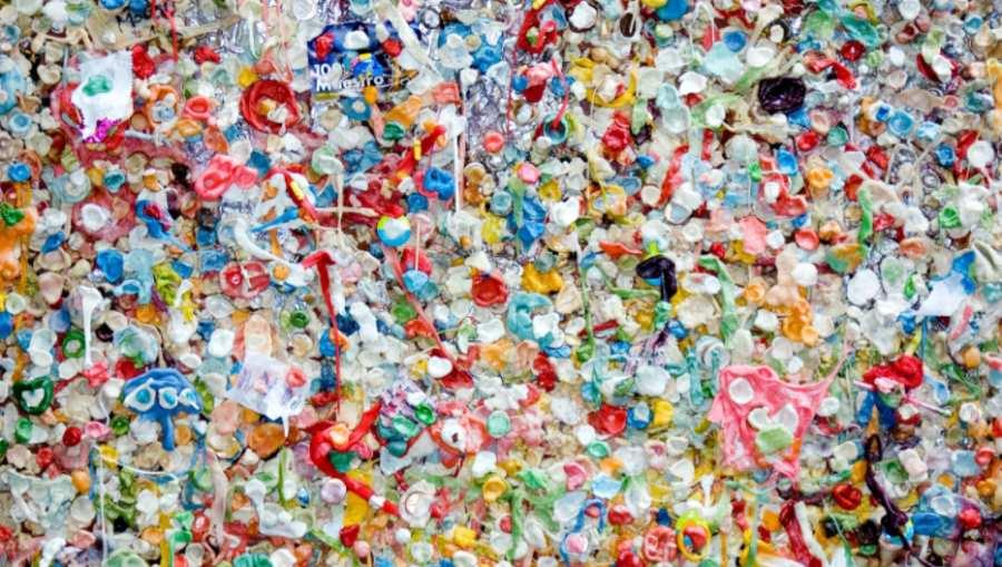 Mikroskopijne fragmenty plastiku znalezione w ludzkich tkankach