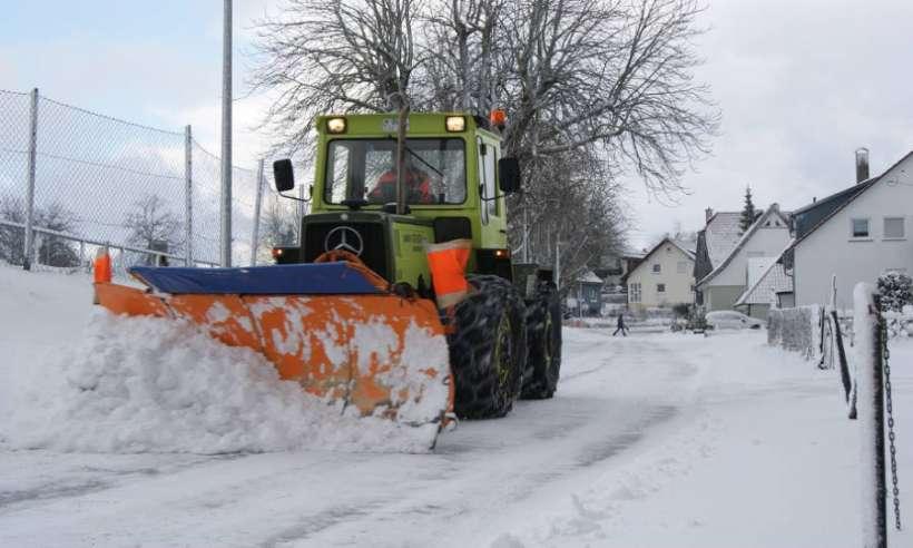 Pług do śniegu do ciągnika - jaki wybrać i dlaczego?