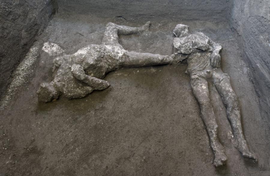 Odkrycie w Pompejach. Znaleziono ciało pana i jego niewolnika