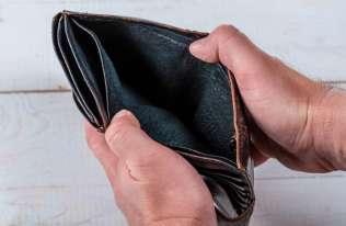 Znaczny spadek dochodów może skończyć się zawałem serca lub udarem mózgu