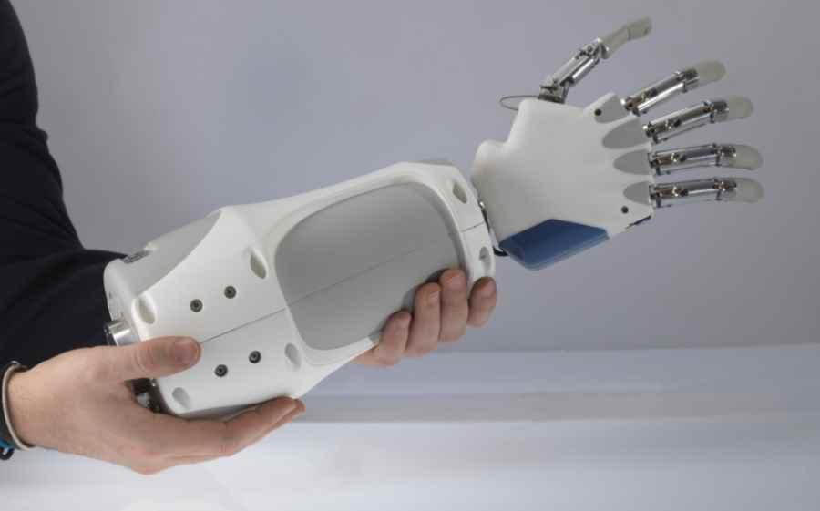 W Mega Bioniczna proteza ręki ze zmysłem dotyku | Dziennik Naukowy XI42