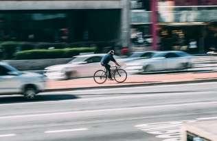 Rower, hulajnoga czy samochód? Podpowie algorytm