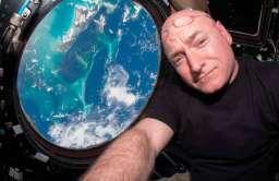 Amerykański astronauta Scott Kelly na pokładzie Międzynarodowej Stacji Kosmicznej