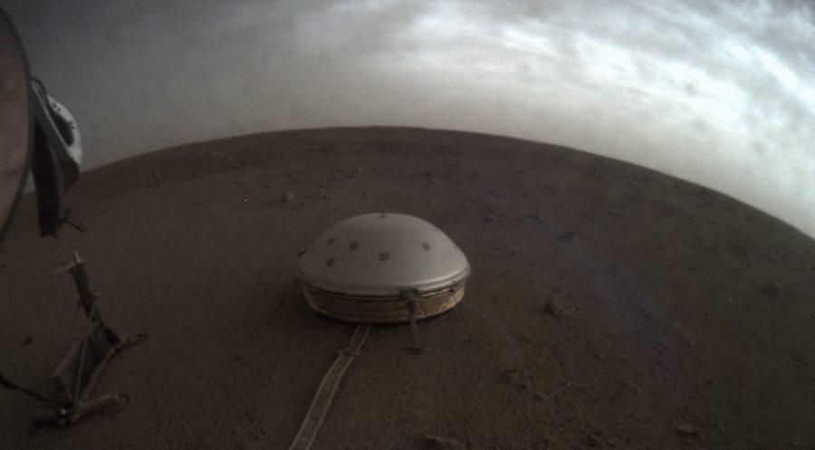 Instrumenty misji InSight rejestrują wstrząsy sejsmiczne oraz inne marsjańskie dźwięki