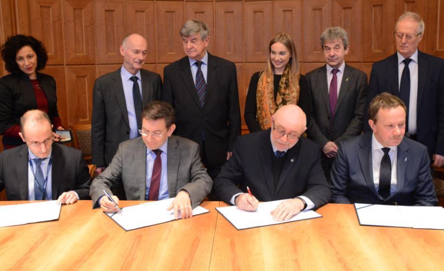 Politechnika Warszawska i SENER razem będą kształcić kadry dla polskiego sektora kosmicznego
