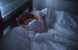 Zidentyfikowano mutację genu, która sprawia, że ludzie potrzebują mniej snu