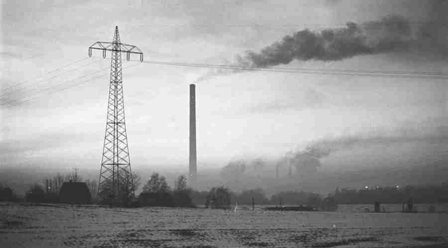 Dym wydobywający się z komina