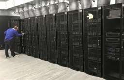 Komputer z milionem rdzeni, który ma naśladować pracę ludzkiego mózgu