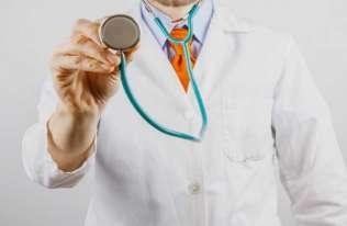 Lekarze ze stetoskopem
