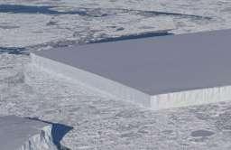 Góra lodowa o kształcie prostokąta