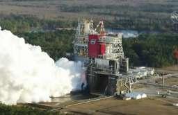 Testy silników największej rakiety w historii przerwane