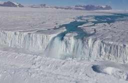 Rzeka na Antarktydzie