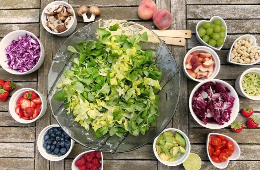 Weganie i wegetarianie bardziej narażeni na złamanie kości