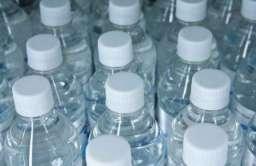 Woda w plastikowej butelce